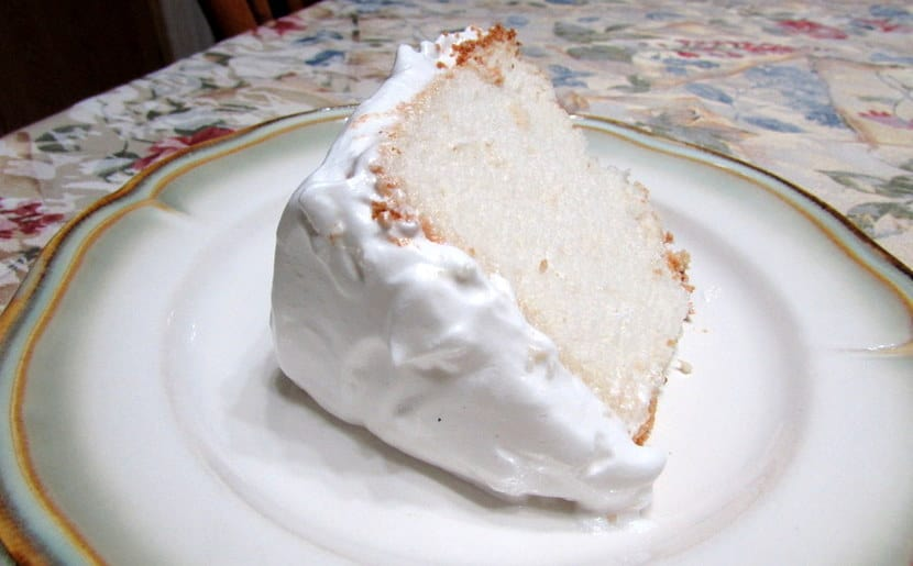 Angel Food Cake with Frosting