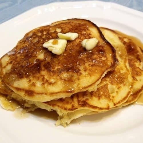 Recipe for Fluffy Weekend Buttermilk Pancakes