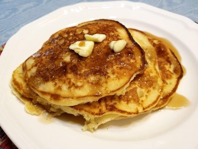 Fluffy Weekend Buttermilk Pancakes