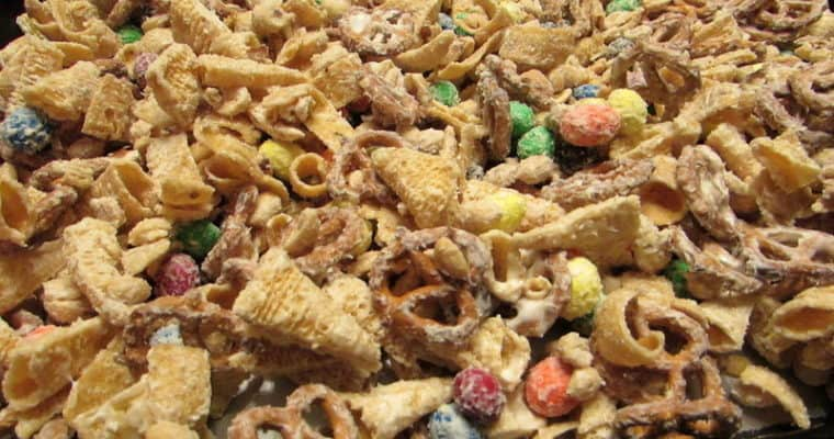 Christmas Reindeer Snack Mix