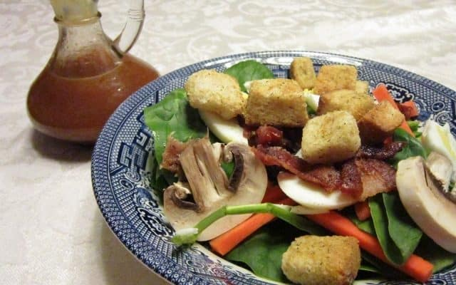 Spinach Salad with Vinegar Dressing
