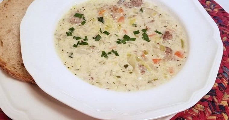 Creamy Cabbage and Bratwurst Soup
