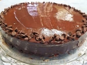 Decorate Top of Cake with Miniature Chocolate Chips